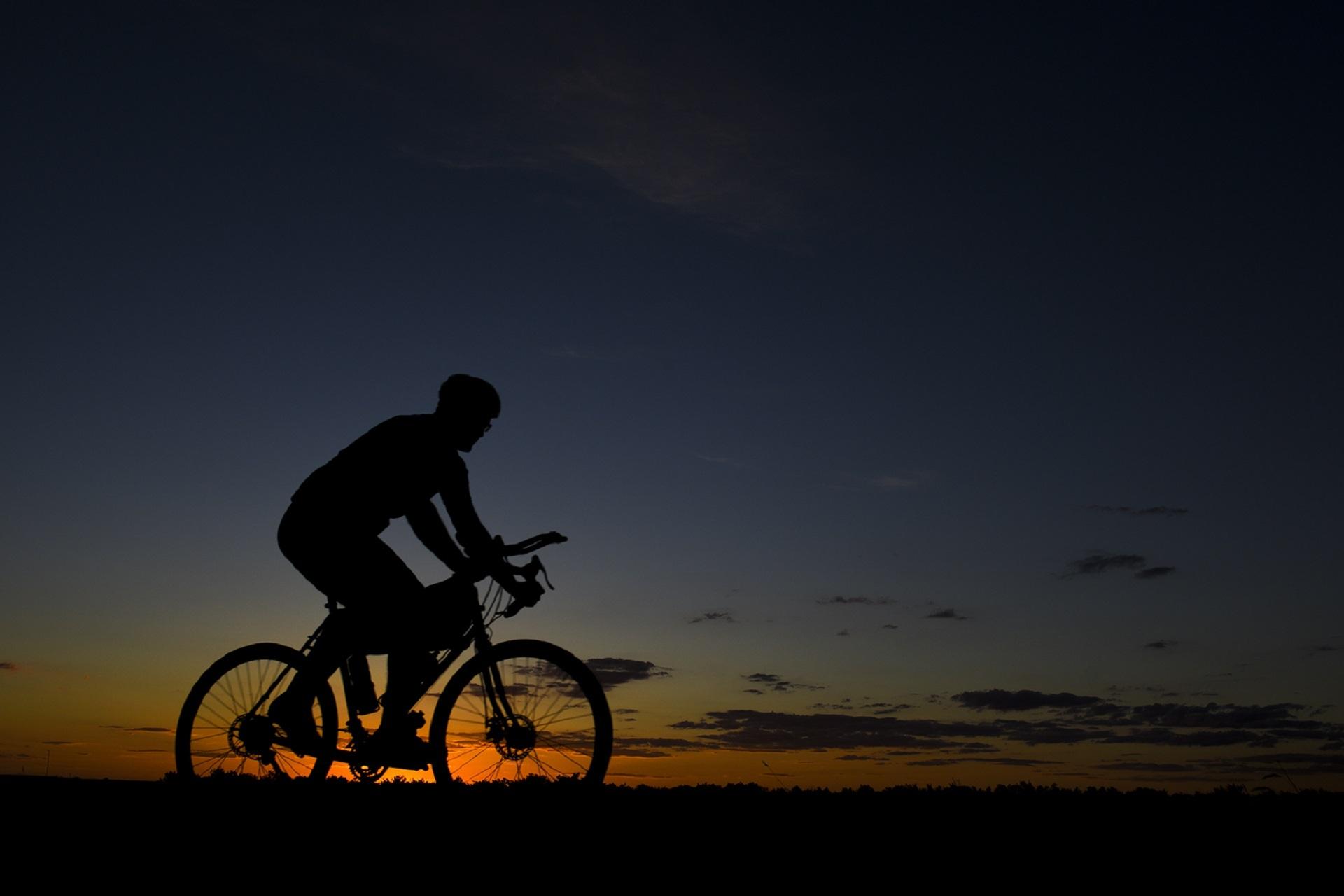 Wielrennen in het donker
